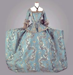 court dress 1760-70 No wonder furniture had to be adapted to this fashion...