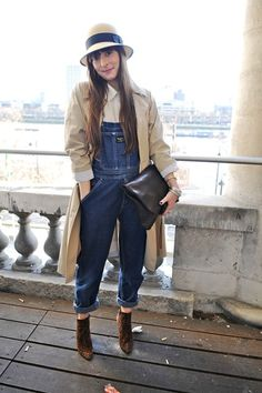 Jas MB Clutch black carried by Ellie Ward during London Fashion Week