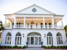 A National Historic Landmark, the Lowndes Grove Plantation in South Carolina rests on 14 acres of oak trees and riverfront views, all just minutes from downtown Charleston. The grand lawn and main house, built in 1786, provide abundant southern charm for ceremony or reception venues. With the option to have your wedding in a white or clear tent looking down the river, this venue is ready to celebrate rain or shine.