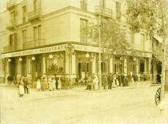 Cafè restaurant la Maison Dorée cantonada Plaça Catalunya i carrer de Rivadeneyra  1903
