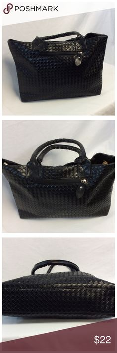 """BLACK TOTE BLACK TOTE with 2 handles Approx measurements are 16.5"""" long n 10"""" high n 3"""" wide (055) Bags Totes"""