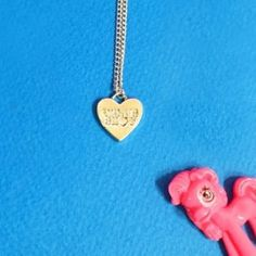 #mixxmix Carved Heart Pendant Necklace (BWNQ) Add a romantic touch to your daily look and wear this necklace as a constant accessory. #mxm #hideandseek #has #365basic #bauhaus #99bunny#koreanfashionstyle #girlsfashion #lovelywoman #kstyle #koreangirls #streetfashion #twinlook #dailyoutfit #styling