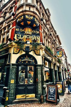 The Clachan Pub, London, England.