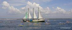 Parade 40 perahu Nelayan menyambut kapal
