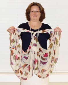Tying a scarf into a jacket!  cool.... http://1.bp.blogspot.com/-TfjY-epRt3U/UbT2DIYDbaI/AAAAAAAASWQ/4oigKXhqur8/s1600/DSC04921.JPG