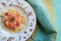 Pasta con salmon Risotto, Salmon, Ethnic Recipes, Food, Salmon Pasta, Ethnic Food, Roses, Recipes, Essen