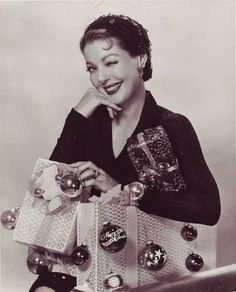 Loretta Young is all smiles over the holiday season.   ♺ Kathy H