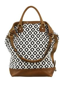 I'm so in love. >> oh my goodness, me too! This bag is divine!