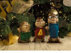 Movie Wallpapers collection - Alvin and The Chipmunks - The Squeakquel movie wide wallpapers Christmas Poems, What Is Christmas, Merry Christmas And Happy New Year, Christmas Music, Christmas 2015, Christmas Carol, Tacky Christmas, Christmas Graphics, High School Musical
