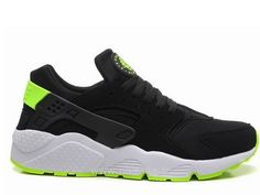 Nike Air Huarache Homme Noir et Vert Nike Air Huarache Grey Nike Air Huarache, Basket Nike Huarache, Black Huarache, Grey Huaraches, Baskets Nike, Grey Nikes, Nike Men, Trainers, Sneakers Nike