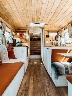 How We Made a School Bus Our Home for the Past Two Years Tyler Hjorting and Lexi O'Brien turned an old school bus into their dream home. Bus Living, Tiny House Living, School Bus Tiny House, Old School Bus, Bus Remodel, Converted School Bus, Kombi Home, Van Home, Van Interior