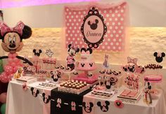 Minnie Mouse Pink Party Bianca  | CatchMyParty.com