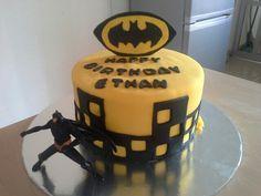 "8"" Batman cake"