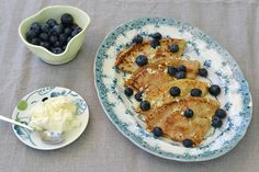 cookvalley - tanker om mad: Pandekager med syltede hyldeblomst