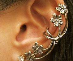 This awesome ear cuff can be found on www.ceesquared.ca They are a Canadian jewelry seller that pride themselves in low prices and awesome styles. This ear cuff costs $8 +s&h.