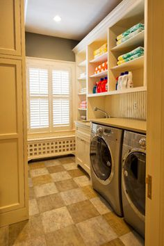 Neoclassical Home - traditional - Laundry Room - New York - Pinneo Construction