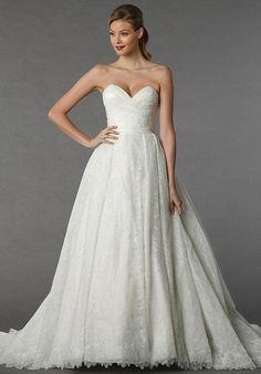 Lace ball gown with sweetheart neckline   Dennis Basso for Kleinfeld 14031   http://knot.ly/64998Hil5