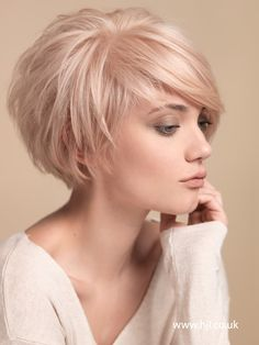 2015 blonde layered crop with  | <br/>    Pixie