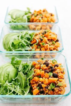 This Sweet Potato & Black Bean Quinoa Bake is healthy and delicious with all your favorite Mexican flavors easily baked together in a single casserole dish! #glutenfree #dairyfree #vegan Healthy Meal Prep, Healthy Snacks, Healthy Eating, Healthy Recipes, Keto Recipes, Eating Raw, Healthy Dishes, Skinny Mom Recipes, Clean Eating Recipes For Weight Loss