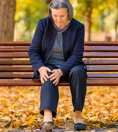 Use Knee Arthritis Exercises, Hip Bursitis Exercises, Knee Strengthening Exercises, Bursitis Hip, Knee Osteoarthritis, Toning Exercises, Yoga For Knees, Stretching Exercises For Seniors, How To Strengthen Knees