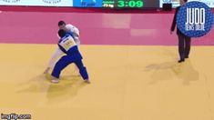 Judo gifs Juji Gatame —Just look on the torque on this Ashi-guruma! The timing, catching the Uke still with the feet in the air, and the work of the arms is just gorgeous!