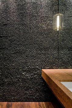 ♥black pebble wall