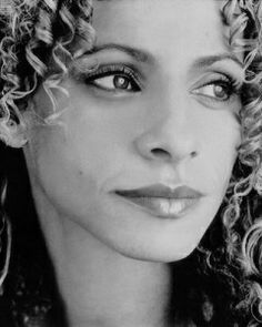 """Michelle Hurd - Actress I remember her from """"Malcolm and Eddie"""" Black Tv, Black White Photos, Michelle Hurd, Several Movies, Simply Beautiful, Beautiful Ladies, Tv Watch, Famous Women, Famous Faces"""