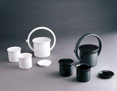 GICB2005 The International Competition/ <Gold prize_Ceramics for USe> Masanobu IDO /  Japan / Sole / 2004 /Casting,  hemi porcelain / 30×90×100