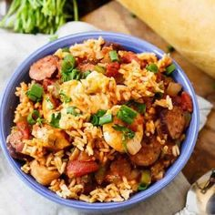 With chucks of chicken, sausage, and lots of shrimp, this jambalaya is hearty and super flavorful. Get the recipe: slow-cooker jambalaya Healthy Crockpot Recipes, Slow Cooker Recipes, Healthy Dinner Recipes, Cooking Recipes, Healthy Dinners, Weeknight Dinners, Crockpot Meals, Seafood Recipes, Cucina
