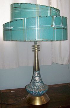 Mid-Century Modern •~• aqua/teal/turquoise and gold table lamp with Fiberglass shade