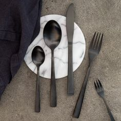 Anna likes the contrast between the dark cutlery and a white surface. Price per…