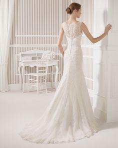 8S119 LATIR   Wedding Dresses   2015 Collection   Luna Novias (back)