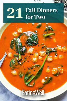 Perfect for a cozy dinner for two, these recipes highlight fall produce like apples, brussels sprouts and winter squash. Pasta dishes, veggie packed dinners and juicy burgers are all on the table, so you can take your pick.#fallrecipes #falldinners #falldinnerrecipes #dinnersfortwo #dinnerfortwo