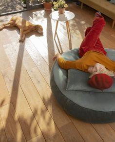 Okrągły puf do leżenia Pupillow z welwetowym wykończeniem marki Fatboy Bean Bag Chair, Velvet, Garden, Design, Home Decor, Garten, Decoration Home, Room Decor, Lawn And Garden