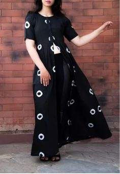 7fe1292393 the black cape with white pavement of patterns. #streetfashion #black #white .
