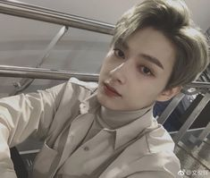 Find images and videos about Seventeen, wonwoo and vernon on We Heart It - the app to get lost in what you love. Seventeen Junhui, Seventeen Memes, Seventeen Debut, Woozi, Wonwoo, Jeonghan, Choi Hansol, Wen Junhui, Child Actors