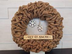 Holiday Wreath. . . #goldenforrest #goldenforrestcreations #burlapwreath #burlap #wreath #snowflakes #letitsnow #seasonaldecor #holidaydecor #christmasdecor #wreathidea #doordecor Holiday Wreaths, Christmas Decorations, Seasonal Decor, Holiday Decor, Let It Snow, Burlap Wreath, Snowflakes, Christmas Holidays, Crafts