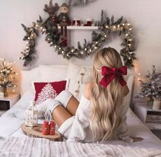 Office Christmas Party, Christmas Photography, Christmas Hairstyles, Christmas Aesthetic, Christmas Pictures, Photography Poses, Winter Outfits, Cute Outfits, Trends