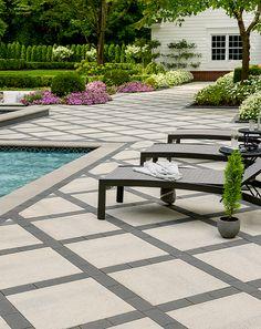 Large Backyard Landscaping, Swimming Pool Landscaping, Backyard Patio Designs, Landscaping Ideas, Landscape Pavers, Pool Landscape Design, House Landscape, Villas, Design Jardin