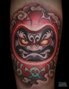 Fans of Japanese culture know the Daruma doll tattoos. These tattoos are inspired by little Lucky figurine popular in Japan. Japan Tattoo Design, Buddha Tattoo Design, Japanese Tattoo Designs, Tattoo Designs Men, Foo Dog Tattoo, Body Art Tattoos, Hand Tattoos, Sleeve Tattoos, Forearm Tattoos