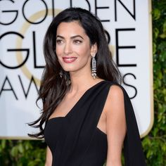 The epitome of Hollywood royalty: Amal Clooney in flawless makeup at the #GoldenGlobes