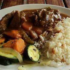 A typical South African food known as potjiekos. My dad made a delicious chicken potjiekos on Christmas eve last year. South African Dishes, South African Recipes, World Recipes, Diet Recipes, Cooking Recipes, Caribbean Recipes, Soul Food, Main Meals, Entrees