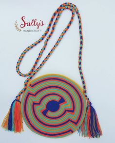 "22 Beğenme, 2 Yorum - Instagram'da กระเป๋าวายูแท้100% Wayúu bag (@sallyshandicraft): ""Small wayúu bag(with zip). Original made by Wayúu Artisans live in local Wayúu of la Guajira.…"""