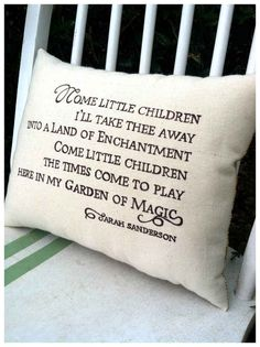 Want this pillow! Love me some HOCUS POCUS! Hocus Pocus halloween pillow, Sarah's song By Three Yellow Finches Holidays Halloween, Halloween Crafts, Holiday Crafts, Holiday Fun, Happy Halloween, Halloween Decorations, Halloween Party, Halloween Ideas, Holiday Ideas