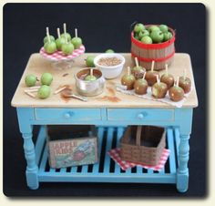 CDHM artisan and IGMA Artist Sandi Palesch creating under the business name of Natures Mini Harvest she creates dollhouse miniature food in 1:12 scale