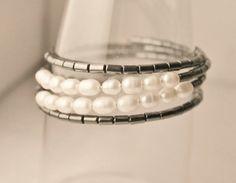 Elegant modern bracelet in hematite by Lisbethstafnedesigns Wire, Charmed, Elegant, Bracelets, Modern, Jewelry, Classy, Bangle Bracelets, Jewellery Making