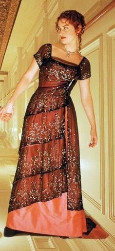 Kate Winslet in 'Titanic' - Costume Designer: Deborah L. Scott Kate Winslet in 'Titanic' - Costume Titanic Costume, Titanic Dress, Film Titanic, Rms Titanic, Titanic Prom, Rainbow Diy, Beautiful Dresses, Nice Dresses, Dressy Dresses