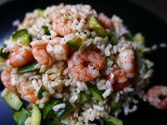 Ciao Ragazzi, eccoci con una nuova ricetta sana e super leggera! Oggi abbiamo preparato un riso integrale con gamberetti e zucchine. Per prima cosa siamo andati a fare spesa :), quello che ci serve…