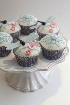 Dragonfly Cupcakes for my sister's 40th.