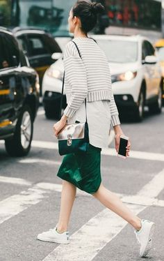 Sporty, casual style. // The Best Street Style Inspiration From New York Fashion Week: (http://www.racked.com/2015/9/11/9309889/nyfw-street-style#4834070)